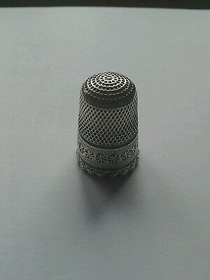 Pretty hallmarked Charles Horner Silver Thimble Chester 1896 unusual edge
