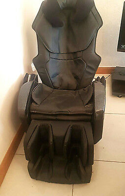 Inada Massage Chair In Black RRP £3000