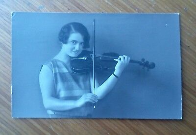 Vintage* Lady with a violin and bow. A. Wertheim. Konigstrasse. Nice photo.
