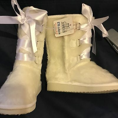 Baby Girls Ugg Boots (Style) Toddler Furry Ribbons Cream RRP £18.99 (Chainstore)