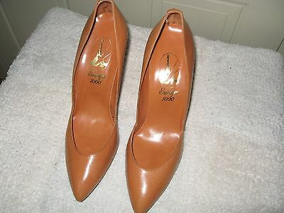 """Vintage Butterscotch Pumps by """"Europa""""  Size 10, NIB, With Defect"""