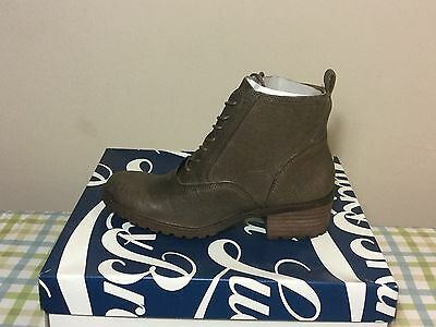 Lucky Brand Women's Giorgia Ankle Boot - Brindle Leather 6 (defect)