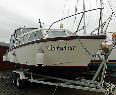 Eastwood 24ft Motorboat/ Cabin Cruiser
