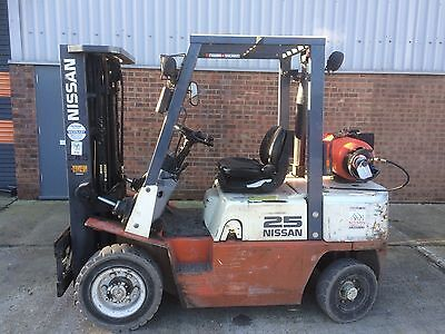 Nissan gas Forklift Truck 2.5ton