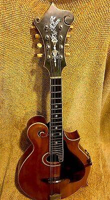 Vintage Beautiful 1912-13 Gibson F4 Oval Hole Mandolin with Hard Case