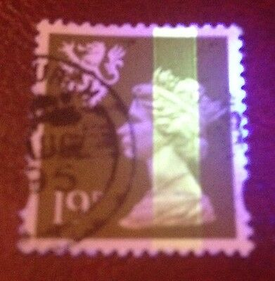 GB / Scotland: SG S81 or S82 Machin with phosphor band error; fine used