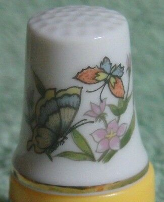Vintage 1970's Monarch Butterflies Collectors Bone China Thimble With 18Kt Gt