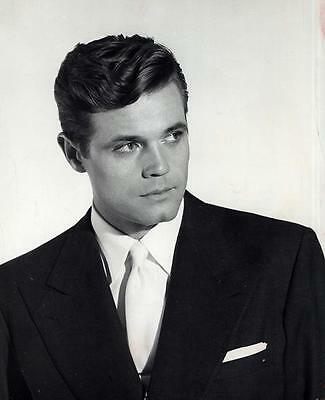 Jack Lord In Suit  8X10 Photo 2