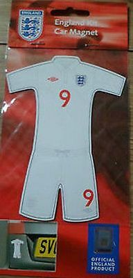 Official Eng Footie Kit Car Magnet Rrp £1.99 - Brand New In Sealed Packet