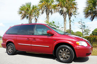 2007 Chrysler Town & Country Touring Signature Edition Touring Signature Edition~Sunroof~Leather~DVD~REDUCED FOR CLEARANCE/NO DLR FEE!!