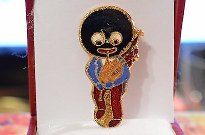 Vintage Robertson's Golden Shred Enamel Lapel Badge Bagpipes Player