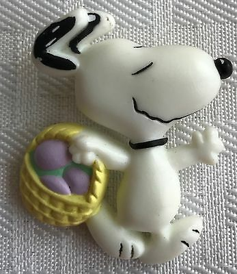 Vintage Hallmark Easter Egg Hunt Snoopy Pin