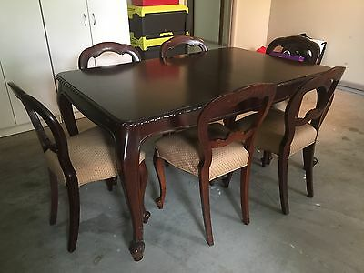 Antique Cedar Dining Table And Chairs