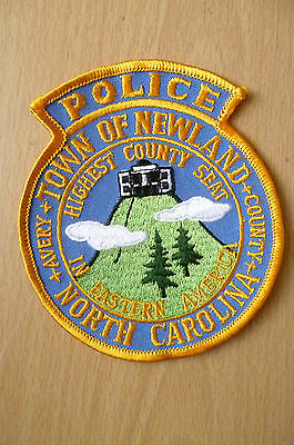 Patches: TOWN OF NEWLAND HIGHEST COUNTY SEAT IN EASTERN USA NC POLICE PATCH(NEW)