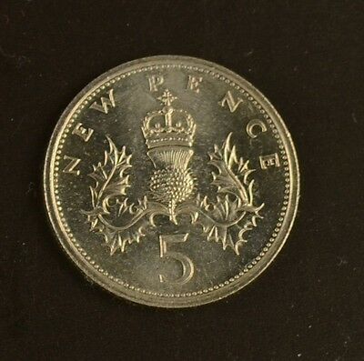 1968 to 1979 Elizabeth II  Decimal Large 5p  Your Choice of Date UNCIRCULATED