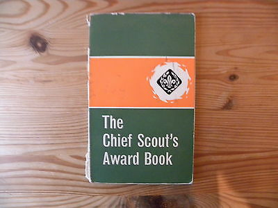 """UK Scouting Book""""The Chief Scouts Award Badge Book"""" 1969"""