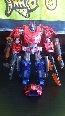 Transformers United UN-01 - Optimus Prime Cybertron Mode + WFC-01 Upgrade kit