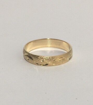 18k Yellow Gold Textured Unisex Band Ring Size 7