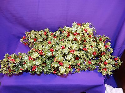 Vintage Plastic Garland Green Ivy & Holly Berries With Clips Ready To Hang 11Ft