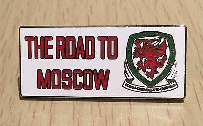 """Wales """"the Road To Moscow"""" Football Enamel Pin Badge - Very Rare"""