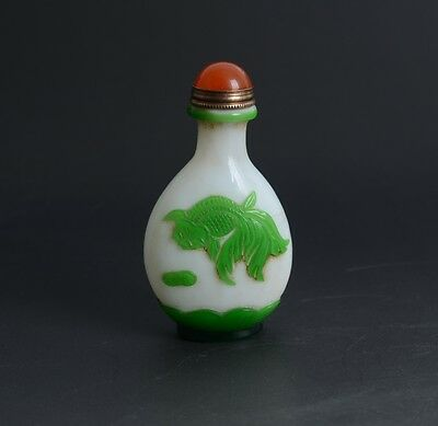 Chinese Hand Carved Goldfish Green Overlay White Glass Snuff Bottle-JR11690