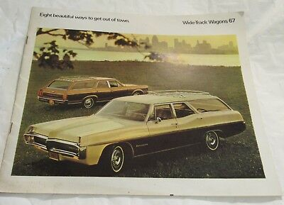 1967 Pontiac Wide Track Station Wagon Dealers Brochure Old Canada Edition RARE