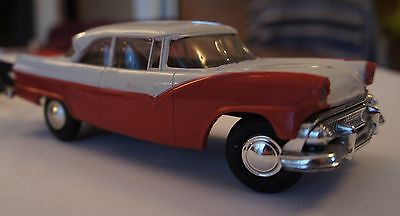 AMT 1955 White/Red FORD FAIRLANE Victoria  Remote Controlled