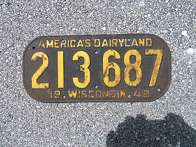 1942 Wisconsin License Plate WWII Pearl Harbor  Gas Oil Display Piece