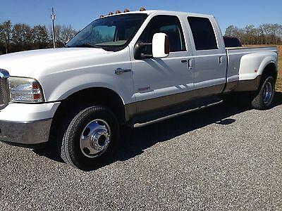 2005 Ford F-350 King Ranch 2005 Ford F350 4X4 6.0 Diesel, King Ranch, Dually, Crew Cab, White, Low Miles