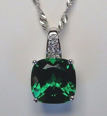 Lovely Russian Emerald Pendant Solid 925 Sterling Silver Necklace Chain