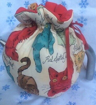 NWOT Tea cozy Retro Cat print with scripted names Natural with red liner tie top