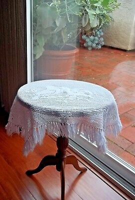 Antique 30's White Filet Hand Crochet Fringe Love Birds Tea Table Table Cloth