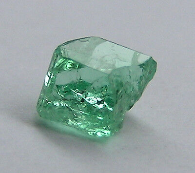 0.28 CT ULTRA CLEAN ROUGH COLOMBIAN EMERALD!! 2.86mm/1023/FR