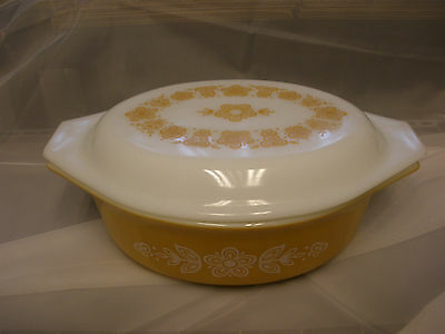 Vintage Pyrex Butterfly Gold Oval 1.5 Qt. Casserole With Matching Lid Excellent