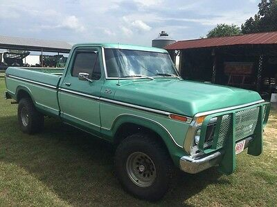 1977 Ford American  F150 Custom 4x4 V8 Long Bed Pickup Truck