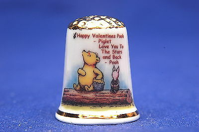Happy Valentine 2017 Winnie The Pooh & Piglet Gold Top China Thimble+ Card B/177