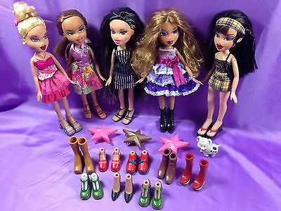 Lot of MGA Entertainment 2001 Bratz Dolls Redressed Shoes Accessories