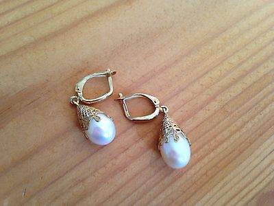9 carat hallmarked gold and pearl drop earrings