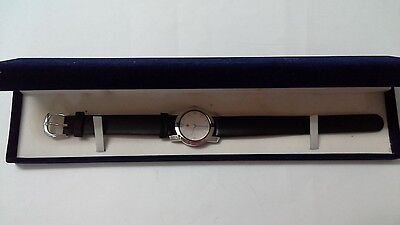 New Red Cross Ladies Watch, kept for a long time, never used.