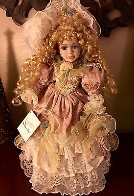 Duck House Victorian Heirloom Doll Sophia New with Tag/Box/Cert. of Authenticity