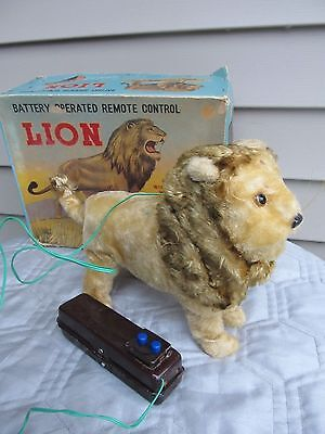 Linemar Tin  Battery Operated Remote Control Lion Toy / Box