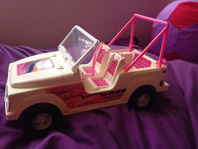 1990 Mattel Barbie Doll White and Pink Large Jeep 4 Seater Vintage