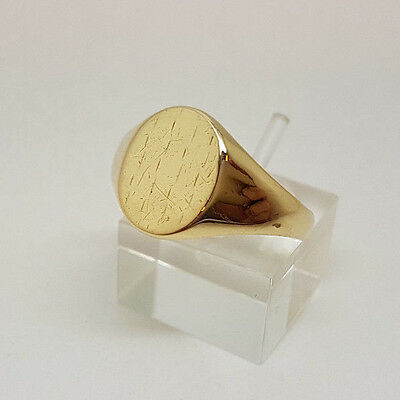 Fabulous 9ct Gold Gents Signet Ring.  Goldmine Jewellers.