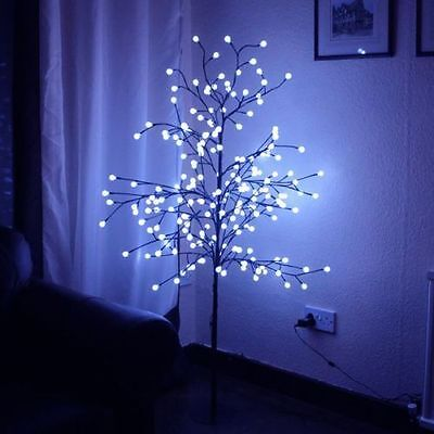 Indoor/outdoor 5 Ft (152Cm) Led Blue 200 Berry Lights Christmas Tree New