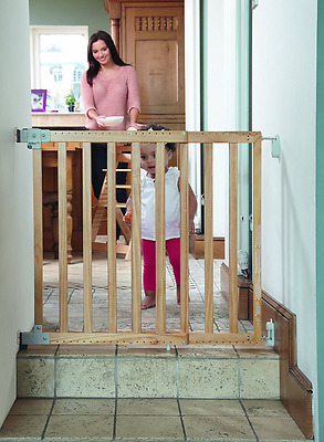 Extending Wooden Safety Stair Gate Baby Kid Child Toddler Door Dog Expandable