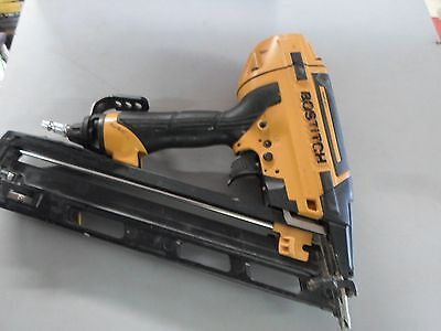Bostitch Smart Point 15-Gauge FN Style Angle Finish Nailer BTFP72156
