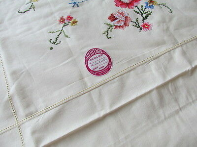 "Vintage Set 101""x 64"" New Unused Roses Floral Embroidered Tablecloth pale yellow"