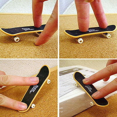 5X Mini Finger Board Skateboard Novelty Kids Boys Girls Toys Gift for Party FO
