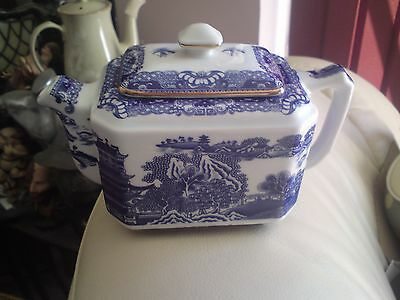 Ringtons Tea. Blue And White Tea Pot By Wade, VGC, FREE-MAILING.