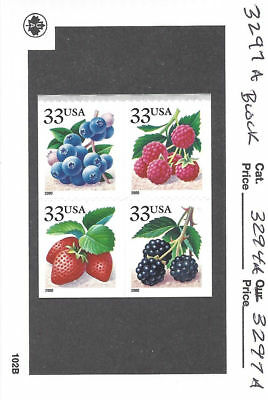 US Scott # 3294a - 3297a / 3297d Fruit Berries 2000 DS Booklet Block of 4 MNH